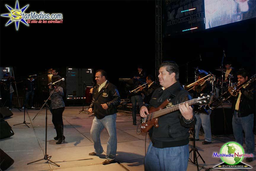 Grupo Blanco y negro Contrataciones en Starmedios.com